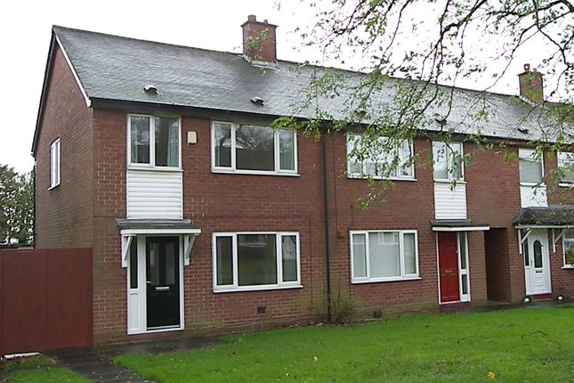 Thumbnail Town house to rent in Martin Avenue, Farnworth