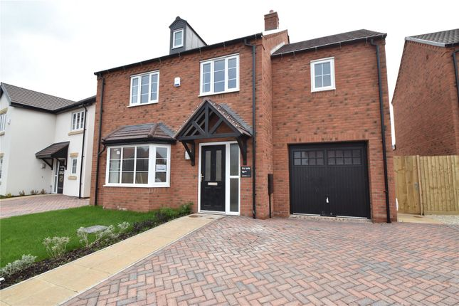 Thumbnail Country house for sale in The Green, Bransford, Worcester, Worcestershire