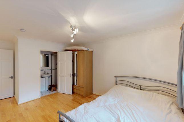 Annexe Bedroom of Elm Road, Horsell, Woking GU21