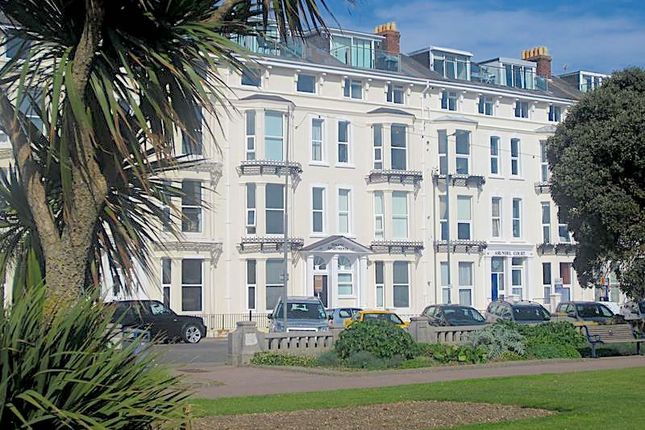 Flat to rent in South Parade, Southsea