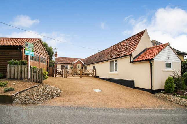 Cottage for sale in Long Lane, Strumpshaw, Norwich