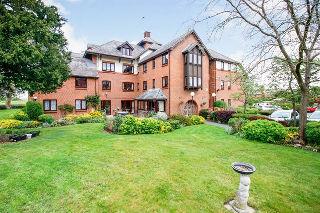 Thumbnail Property for sale in Lawnsmead Gardens, Newport Pagnell