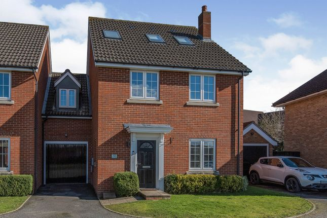 Thumbnail Link-detached house for sale in Quail Close, Stowmarket