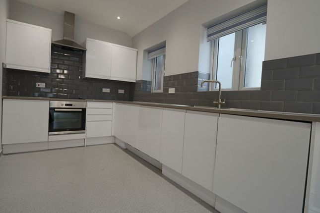 1 bed flat to rent in Banstead Road, Purley CR8