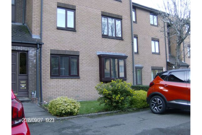 Thumbnail Flat to rent in 9 Burnfield Gardens, Giffnock