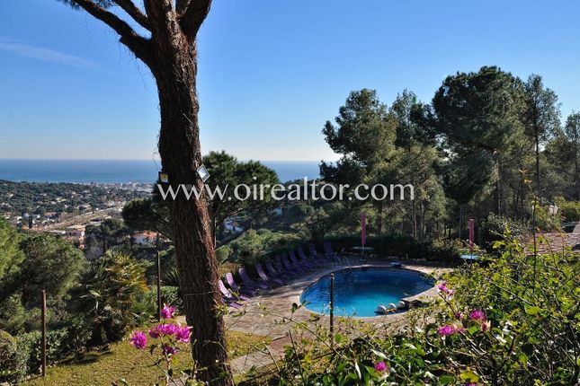 Thumbnail Property for sale in Cabrils, Cabrils, Spain