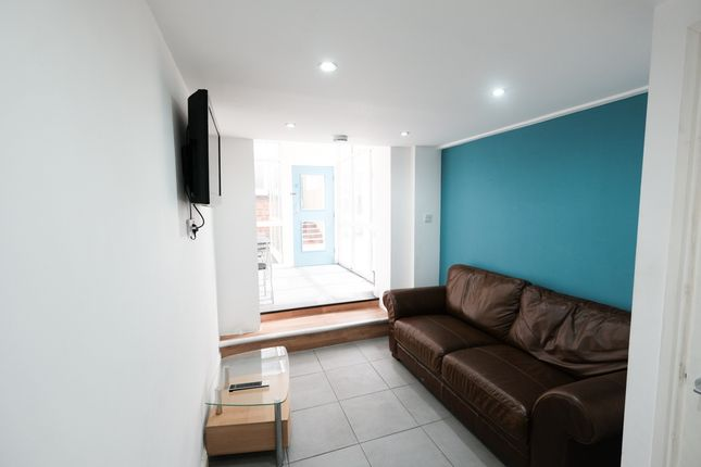 Thumbnail Shared accommodation to rent in Mount Street, Preston, Lancashire