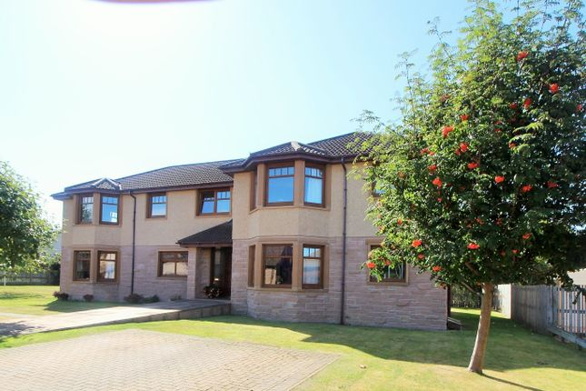 Thumbnail Flat for sale in Grovita Gardens, Forres