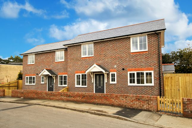 Thumbnail Semi-detached house to rent in Green Stile, Medstead, Alton