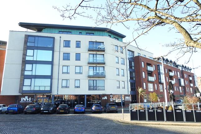 Thumbnail Flat to rent in Railway Street, Hull