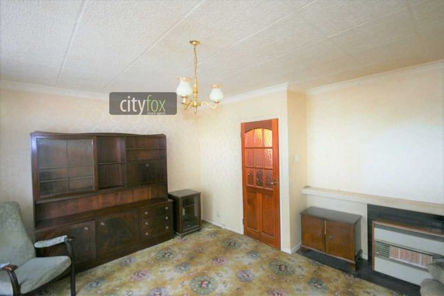 Thumbnail Terraced house for sale in Spring Walk, Brick Lane