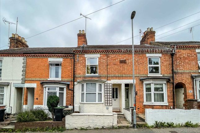 3 bed terraced house to rent in North Street, Rushden NN10