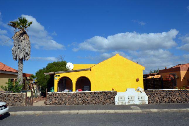 2 bed bungalow for sale in El Resbaladero 10, 35627 La Pared, Pájara, Fuerteventura, Canary Islands, Spain