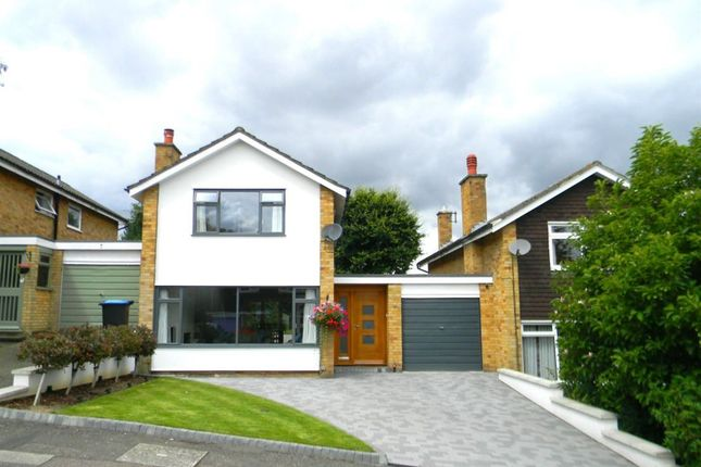 Thumbnail Detached house to rent in Lombardy Drive, Berkhamsted