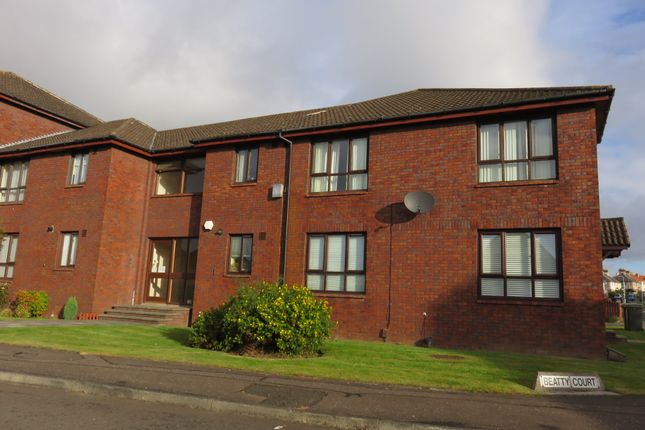 3 bed flat to rent in Beatty Court, Kirkcaldy KY1