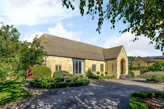 Thumbnail Barn conversion for sale in Cheltenham Road, Broadway, Worcestershire