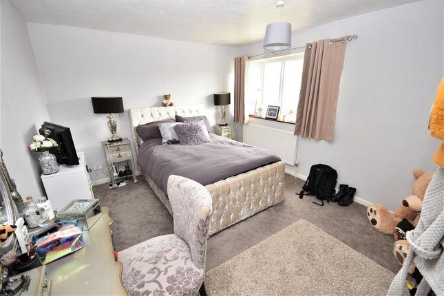 Bedroom of Bodmin Road, Luton LU4