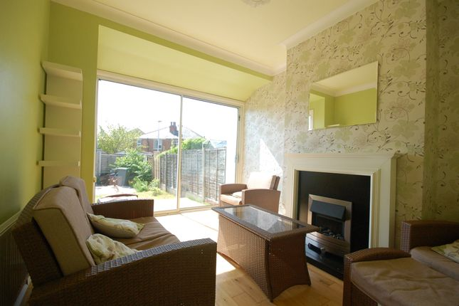 Living Room of Rectory Road, Blackpool FY4