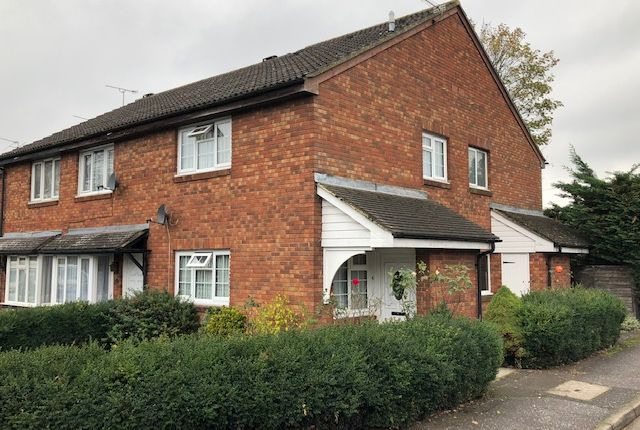 Thumbnail Terraced house to rent in Aldenham Drive, Hillingdon