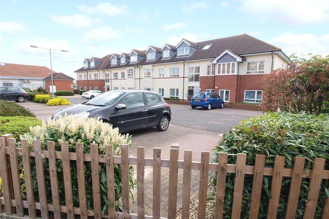 2 bed flat for sale in Oak Road South, Benfleet SS7