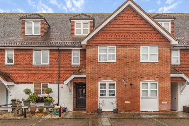 3 bed property for sale in Common Lane, Radlett, Hertfordshire WD7