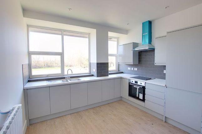 2 bed flat to rent in Windsor Road, White Horse Business Park, Trowbridge BA14