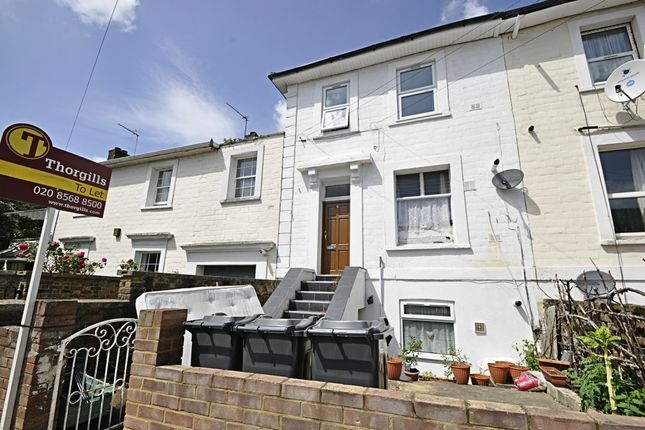 Thumbnail Flat to rent in Villiers Road, Isleworth