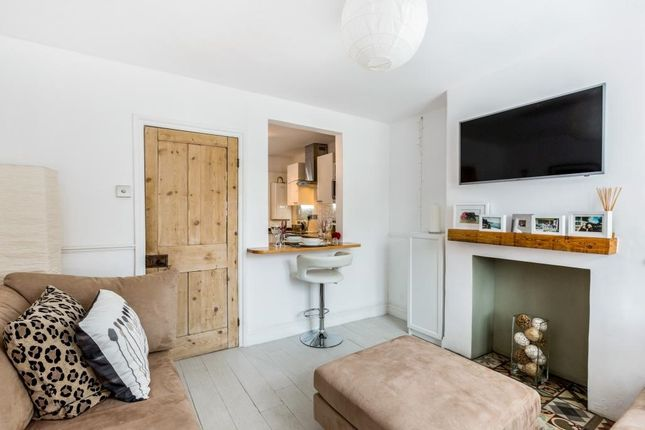 Thumbnail Terraced house to rent in Greys Hill, Henley-On-Thames