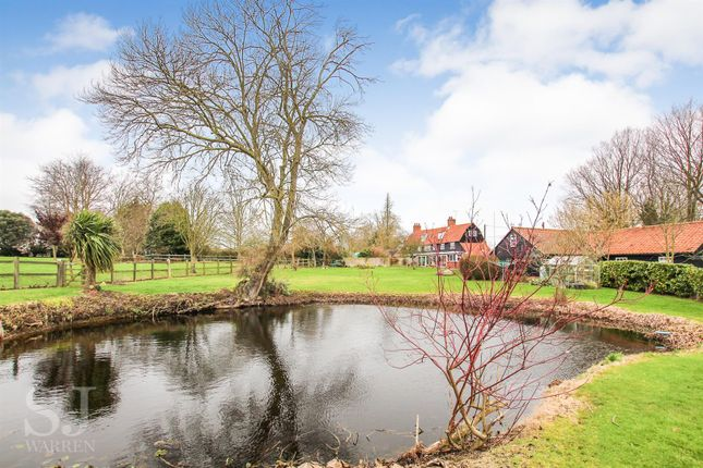 Thumbnail Cottage for sale in Maldon Road, Bradwell-On-Sea, Southminster