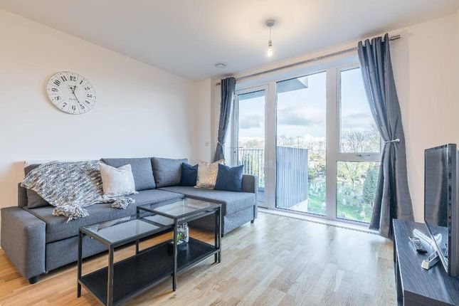 Thumbnail Flat to rent in Windsor Road, Slough
