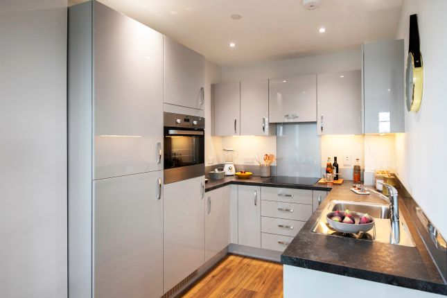 1 bedroom flat for sale in Siskin Apartments, Nest, Dunedin Road, London