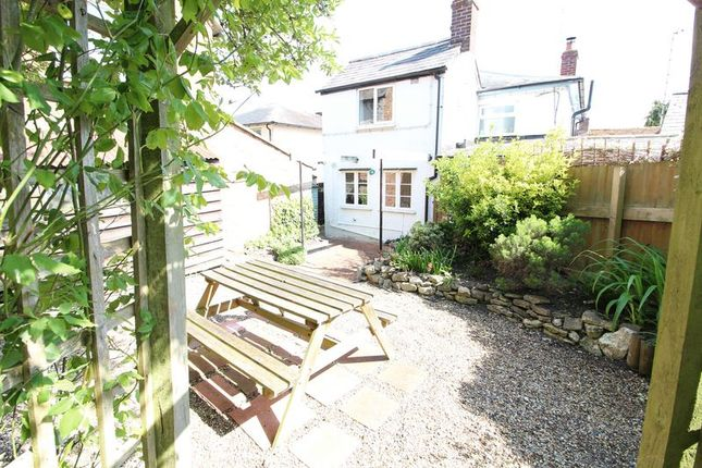 2 bed cottage to rent in High Street, Dinton, Aylesbury