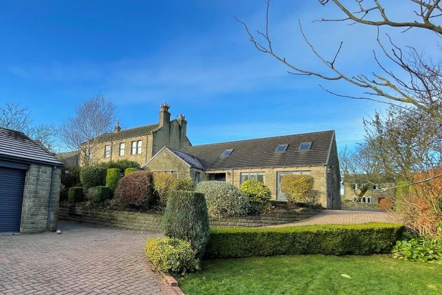 4 bed detached bungalow to rent in New Hey Road, Outlane, Huddersfield HD3