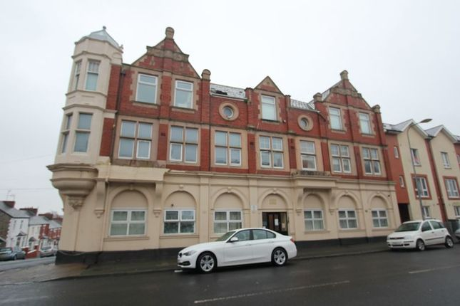 Thumbnail Flat for sale in Court Road, Barry