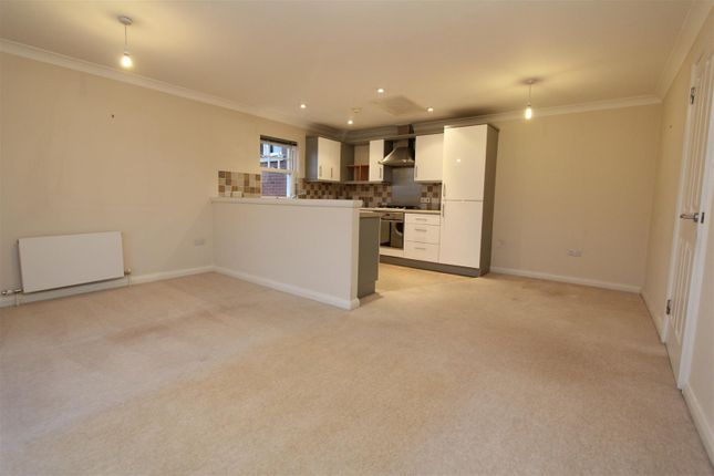 2 bed flat for sale in Arncliffe Road, West Park, Leeds