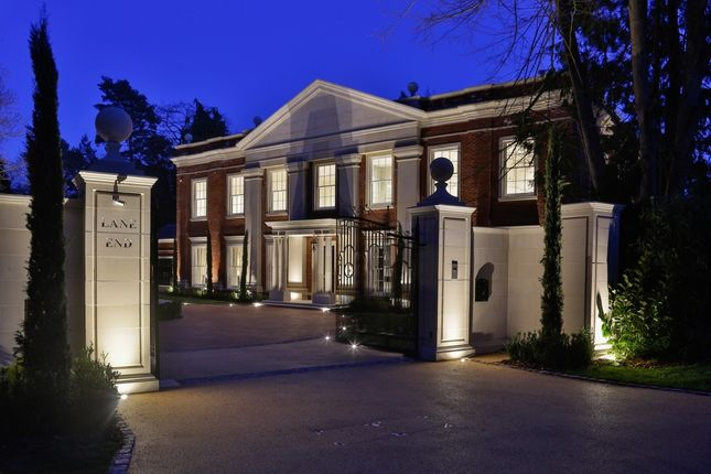 Thumbnail Property to rent in Old Avenue, St. Georges Hill, Weybridge