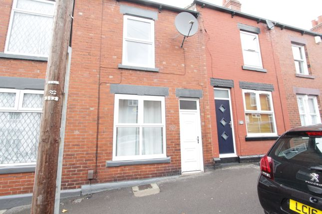 3 bed terraced house to rent in Helmton Road, Sheffield S8