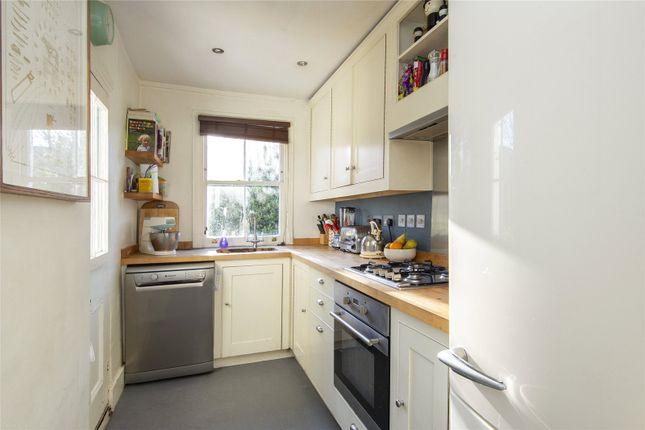 Kitchen of Colvestone Crescent, London E8