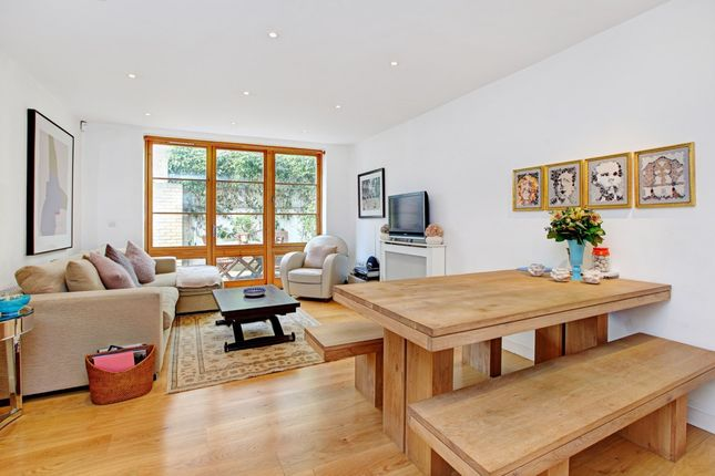 Thumbnail Terraced house to rent in Pied Bull Yard, London