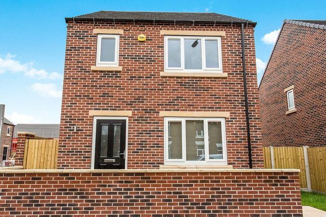 Thumbnail Detached house for sale in Pilsley Road, Danesmoor, Chesterfield