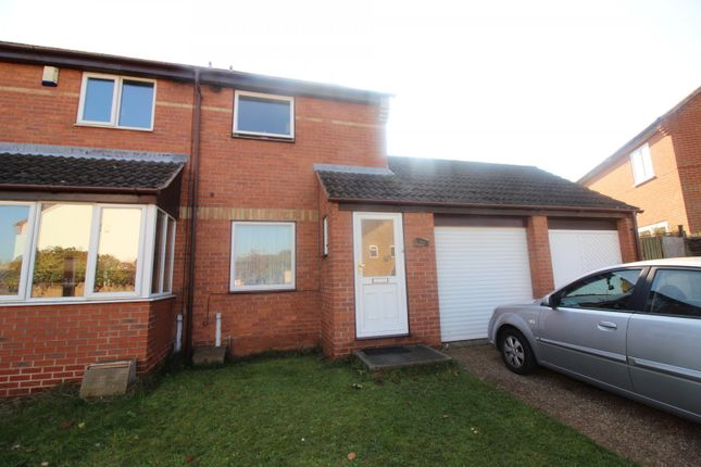 Thumbnail Property to rent in Fletcher Way, Acle, Norwich