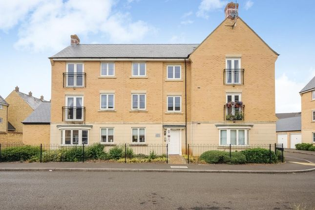 Thumbnail Flat to rent in Carterton, Oxfordshire