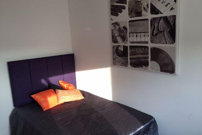 Thumbnail Studio to rent in Austhorpe Road, Crossgates