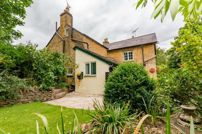 Thumbnail Detached house for sale in Oxford Road, Enstone