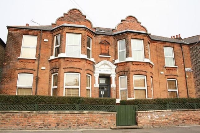 2 bed flat to rent in Holland House, Holland Road, Kensal Rise NW10