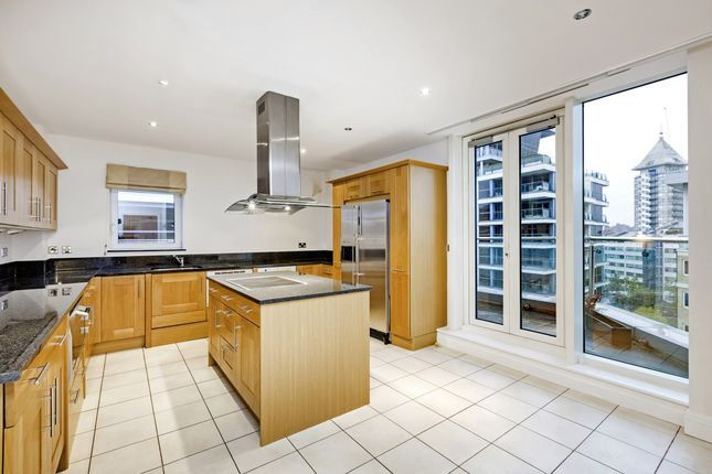 Flat to rent in The Boulevard, Imperial Wharf, London