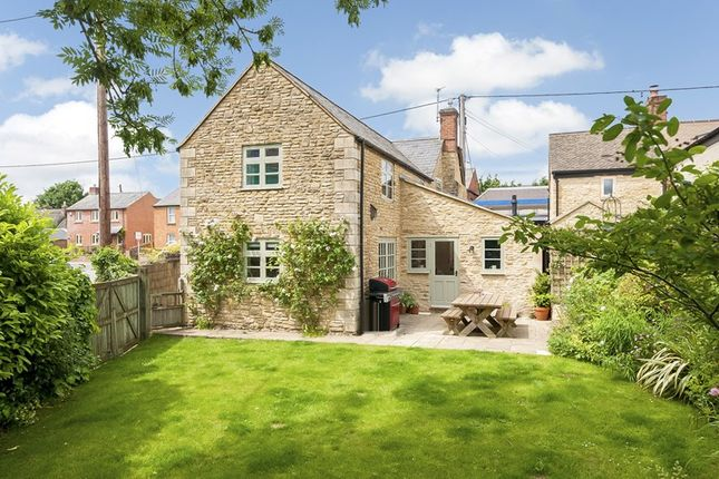 Thumbnail Cottage for sale in Mill Turn, Middle Barton, Chipping Norton