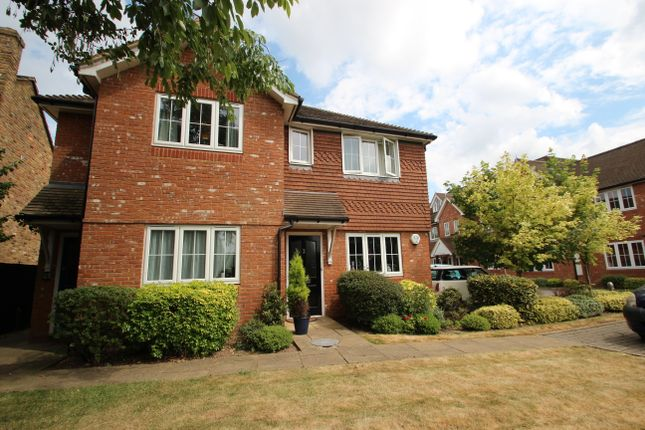 Thumbnail Room to rent in Cherry Tree Road, Beaconsfield