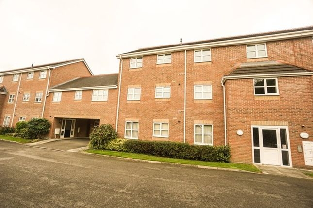 Thumbnail Flat for sale in Angelbank, Horwich, Bolton
