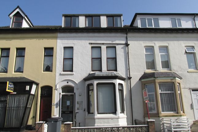 Thumbnail Flat to rent in Regent Road, Blackpool